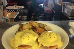 Midway Diner eggs benedict